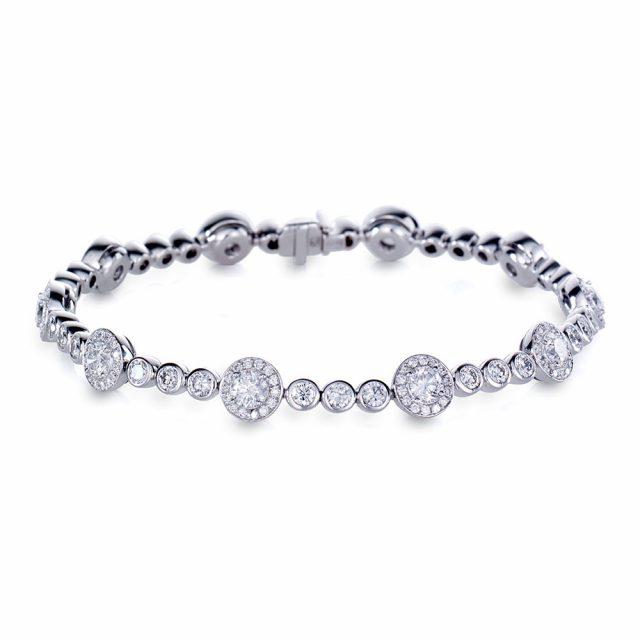 Exclusive armbånd i hvitt gull med diamanter