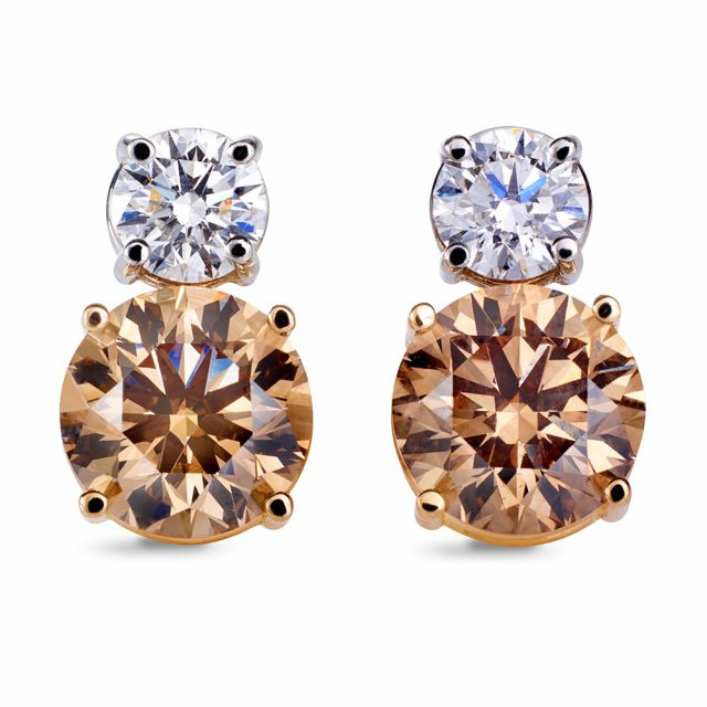 Ørepynt i platina og hvitt gull med champagnefargede diamanter og briljanter