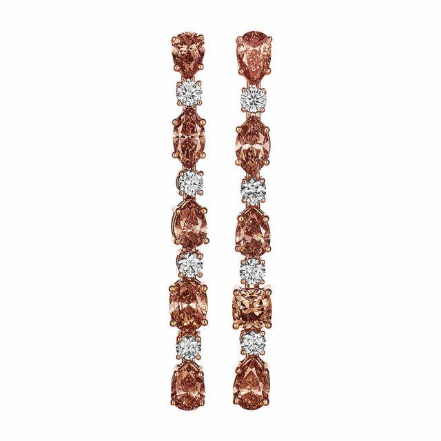 Ørepynt i roségull med champagnefargede og hvite diamanter