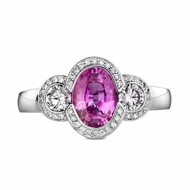 Ring i hvitt gull med rosa safir og diamanter