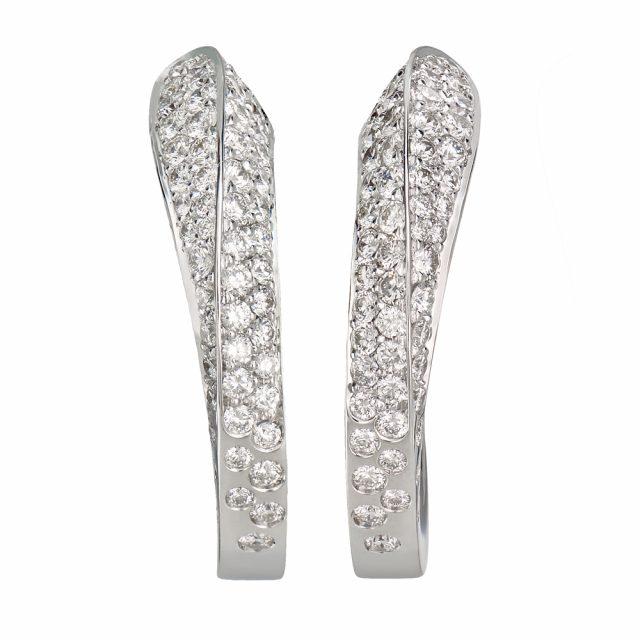 Ørepynt creol i hvitt gull med hvite diamanter